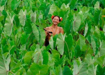 Mentawai, Indonesia, girl, manioc
