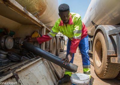 lorry oil loading petrol