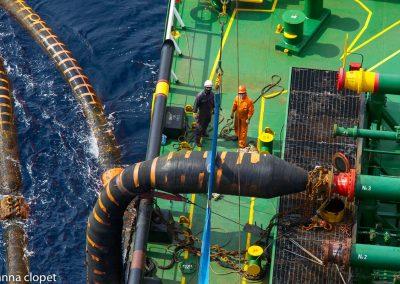loading oil tanker
