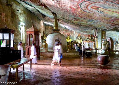 Dambulla#temple#paintings#people